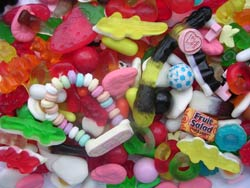 Reto Sweets Selection: from Haribo, Barratts, Swizzles and Bassetts.